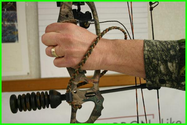 how to install a bow sling pic 3