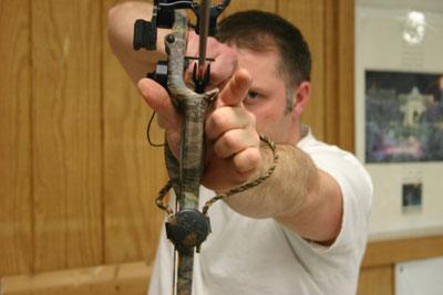 torque free archery grip